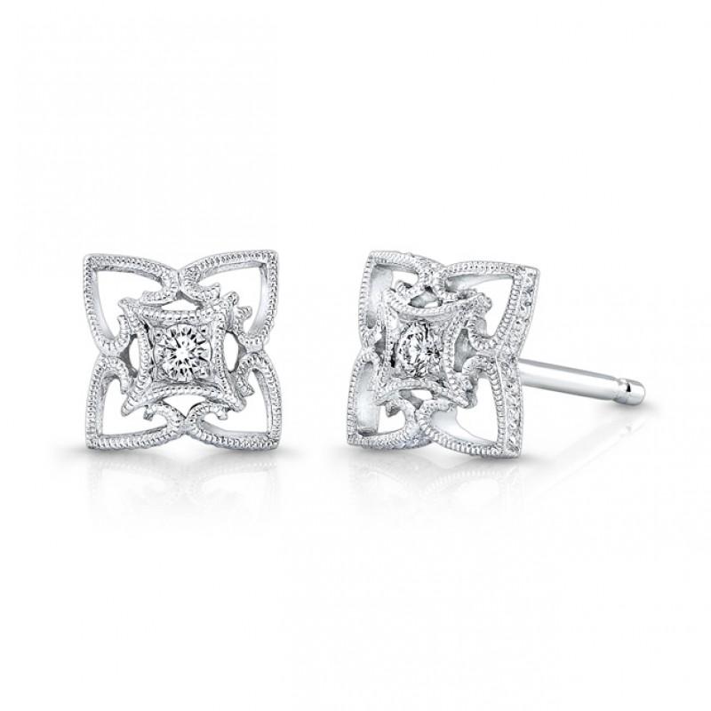 Diamond Earring.