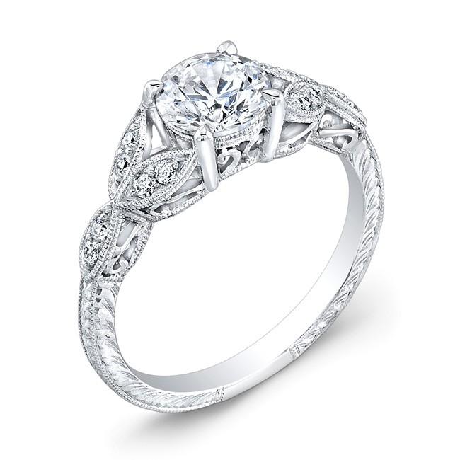 Elegantly Designed Diamond Engagement Ring